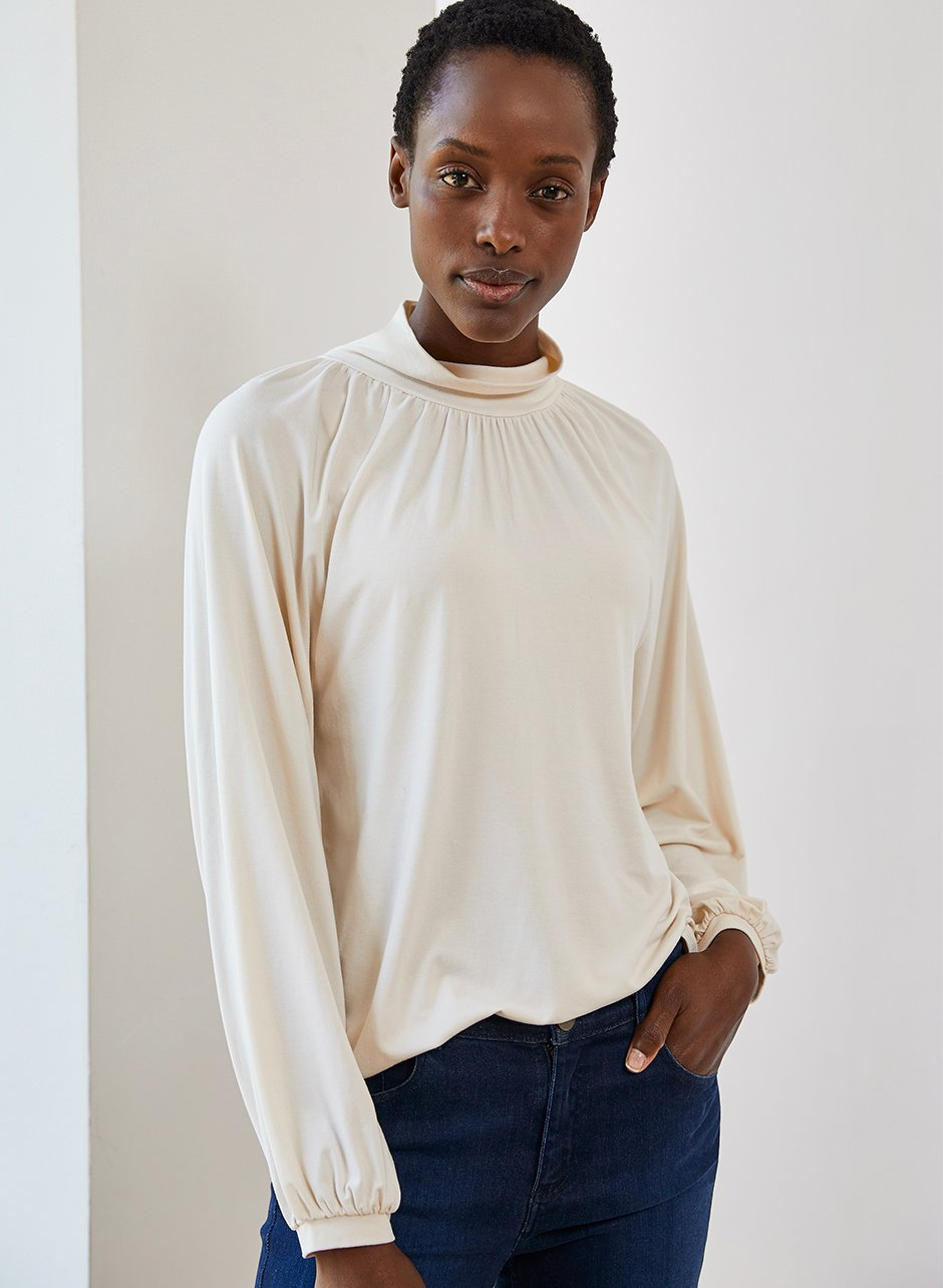 Shop Constance Top Cream, Wren Skinny Jean Indigo and more