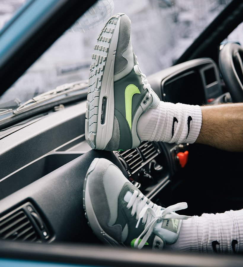 air max 1 green on feet