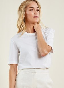 Shop Baukjen Organic Boyfriend Tee Pure White and more