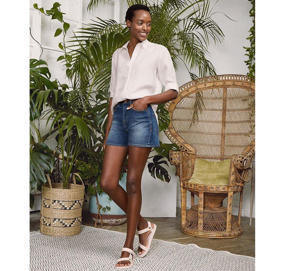 Shop Baukjen Leather Skinny Belt Brown, Tyra Organic Short Washed Indigo, Helena Hemp Shirt Soft White and more